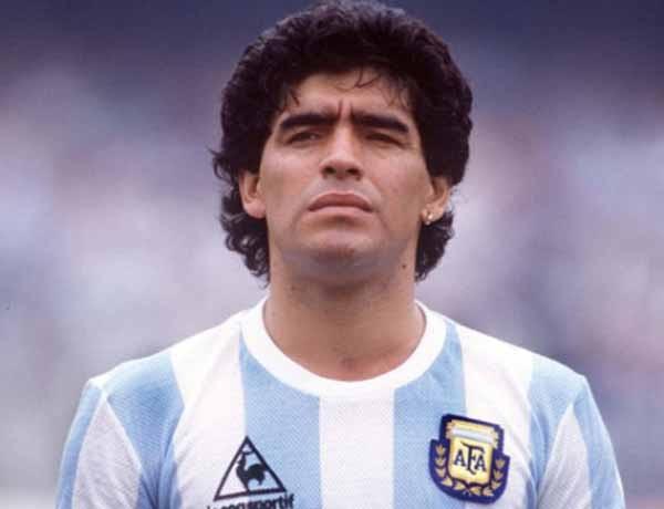 Diego Maradona là cầu thủ hàng đầu thế giới